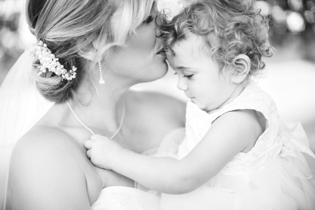 bride and daughter, ontario wedding