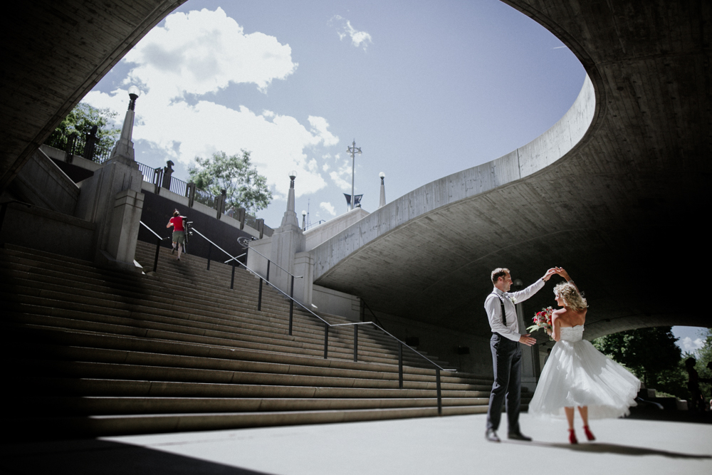 creative Downtown Ottawa Wedding portraits