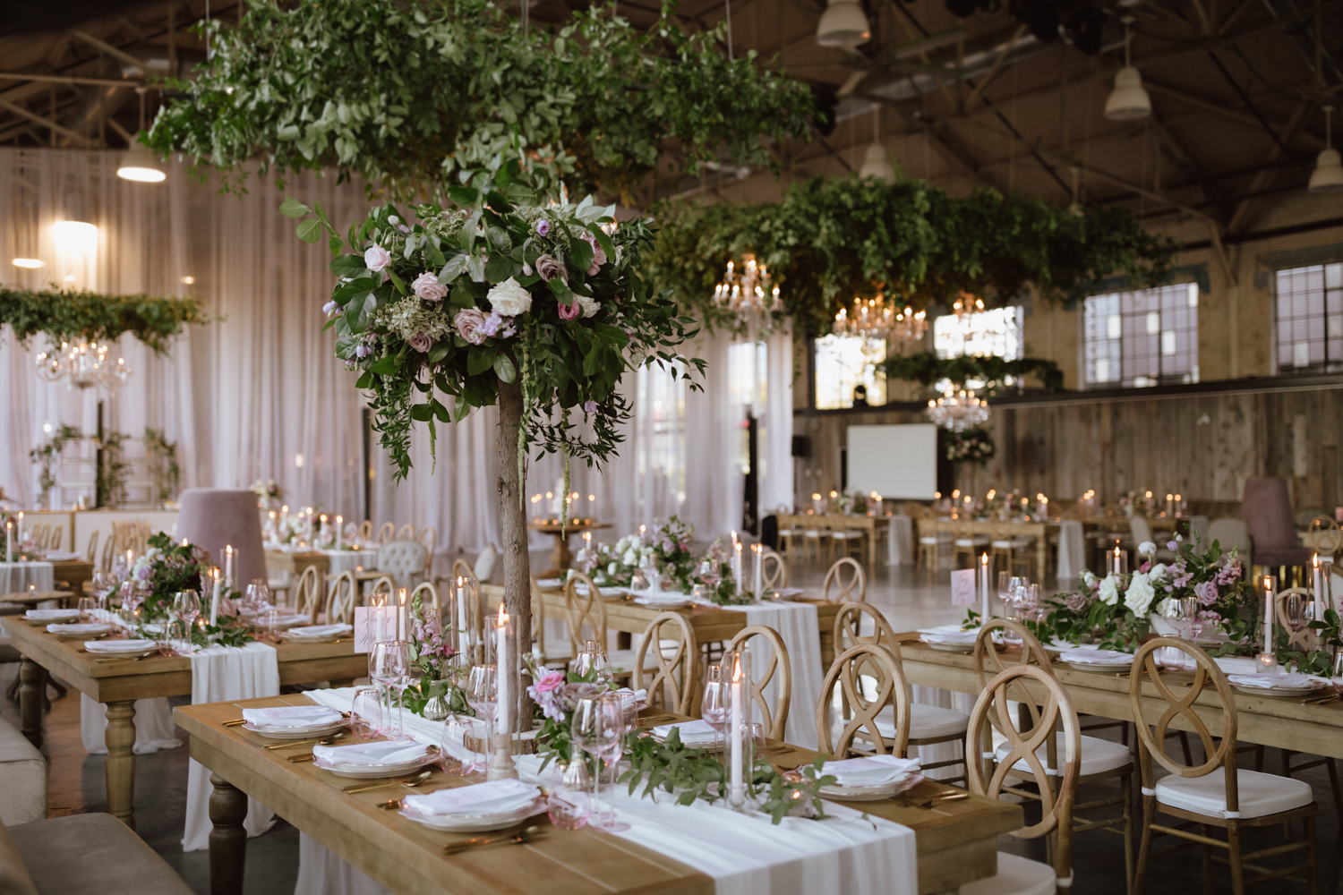 luxury wedding at the Horticulture building