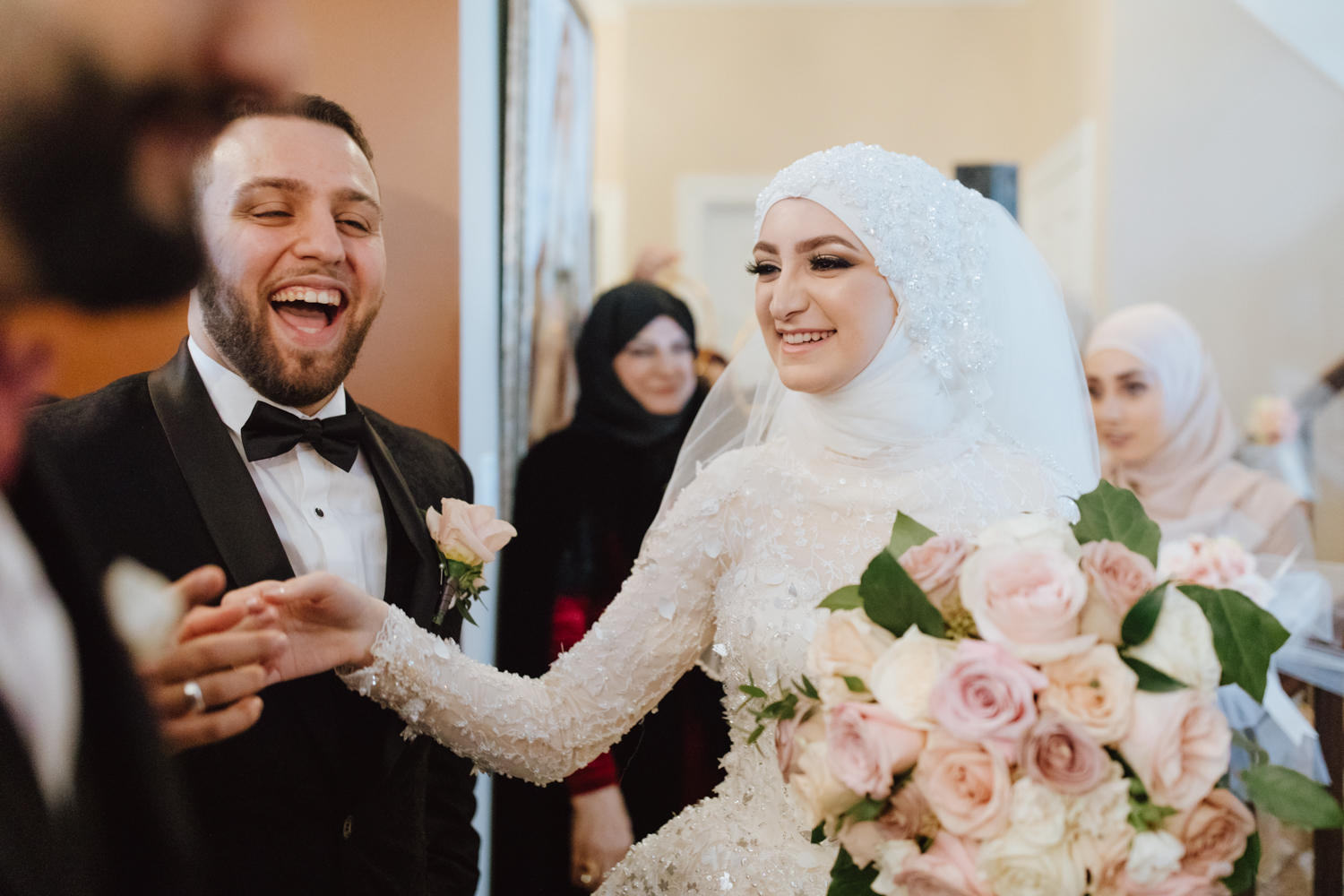 bride and groom meeting Lebanese wedding tradition